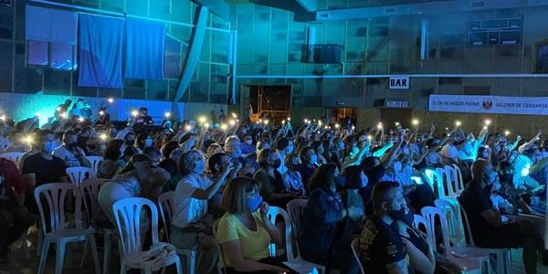 El públic del concert va acabar molt satisfet. / Jordi Tomàs