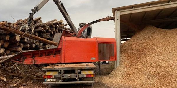 Treballs per fer biomassa per les calderes municipals